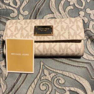 Michael Kors Bags - Michael kors wallet